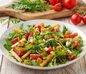 Grill csirkemelles saláta